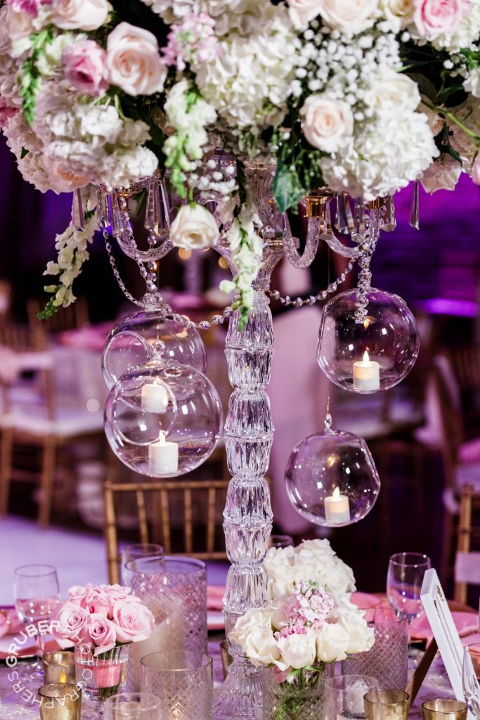 Romantic centerpiece for the reception