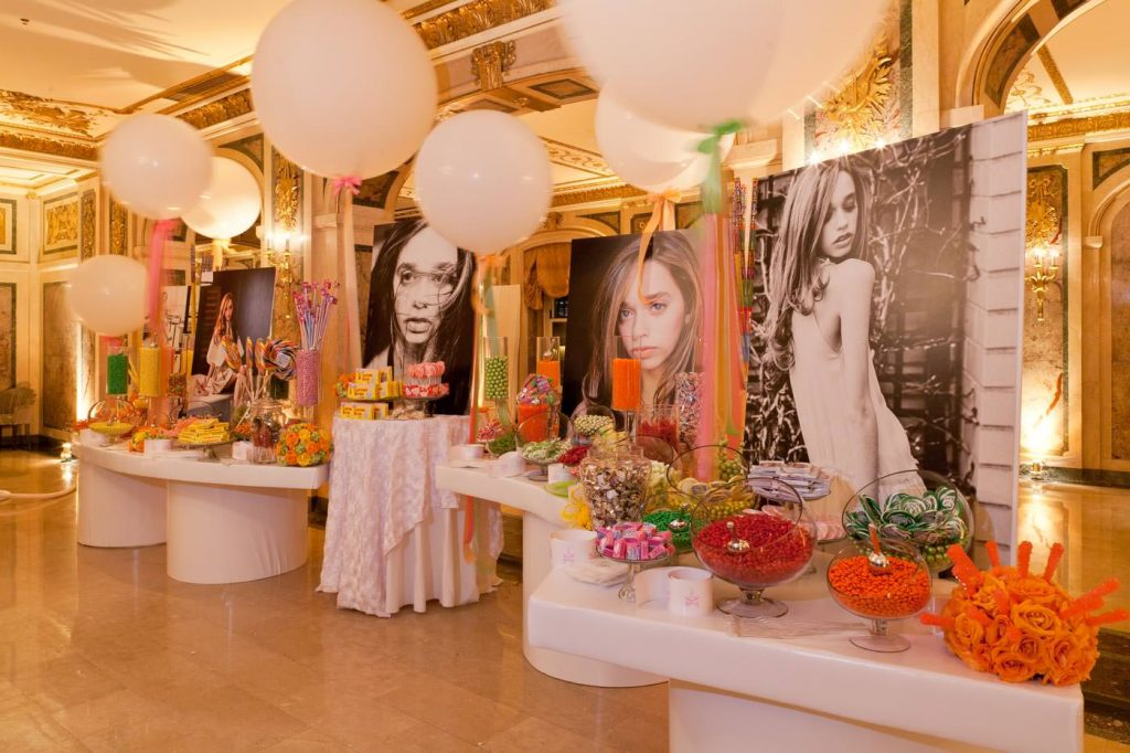 Decorate the Bar or Bat Mitzvah with Photos of Your Child